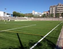 Suministro e instalación de césped artificial y material deportivo en el campo de fútbol de Bufalà de Badalona