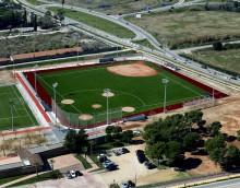 Proyecto de instalación de césped artificial y gradas en el campo de beisbol del complejo deportivo de Can Torellò en Gavà